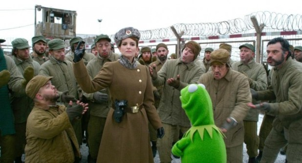 still-of-tina-fey-in-muppets-most-wanted-(2014)-large-picture