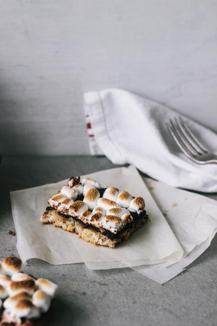 3White Chocolate, Coconut and Banana S'more Bars