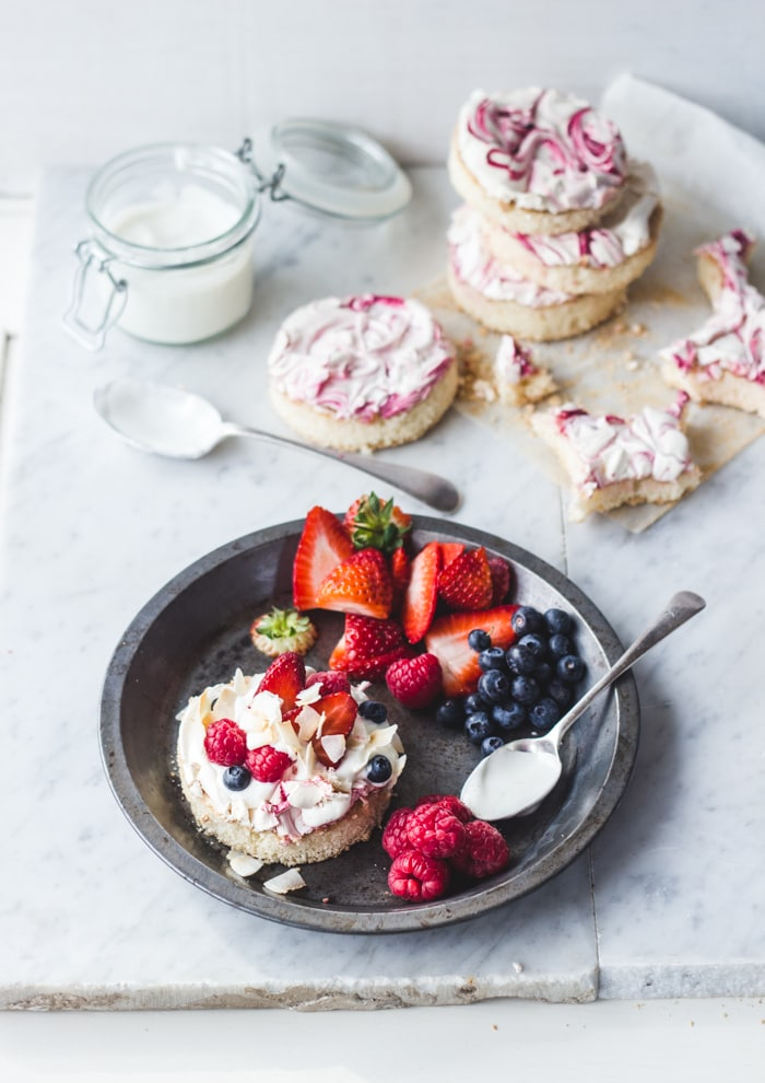 Berry Meringue Cakes-150
