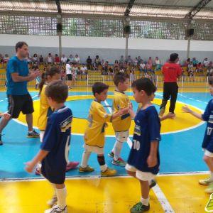 2ª Copa Toque de Bola de Futsal: ao final de cada partida, os jogadores se cumprimentam