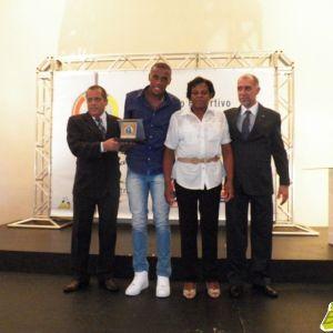 Marcelo, zagueiro nascido em Juiz de Fora que está no Flamengo, foi um dos agraciados pelo Panathlon Club Juiz de Fora