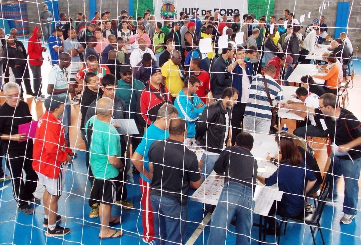 Copa Prefeitura Bahamas de Futebol Amador: veja prazos para devolver fichas e datas de desfile e congressos