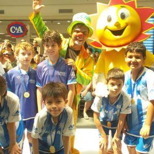 Mesmo longe das quadras, manhã da 3ª Copa Toque de Bola de Futsal foi novamente de muita alegria,