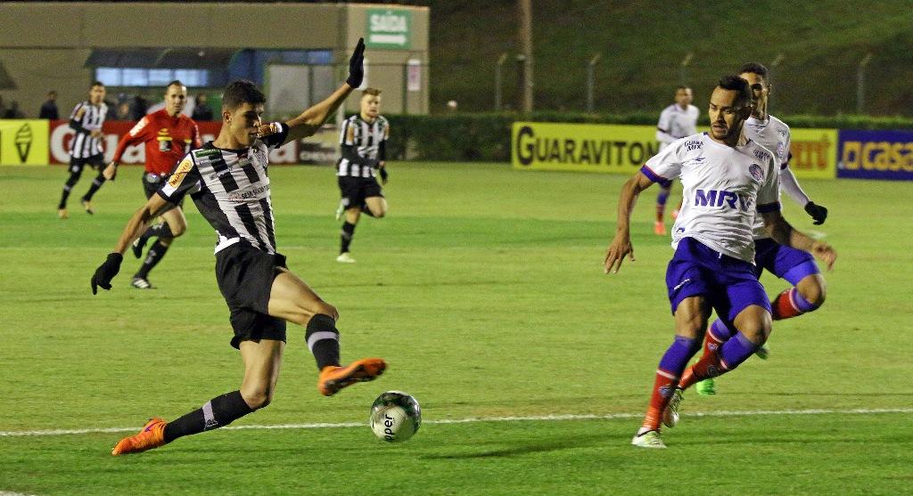 Com promoção para uniformizados, Tupi conta com vitória sobre Avaí para consolidar reação na Série B