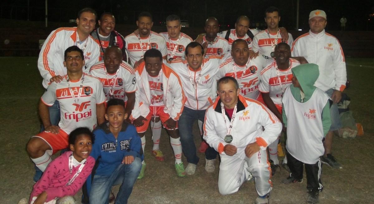 Com emoção! Fripai conquista título do futebol sete master dos Jogos Sesi: 4 a 3 sobre a Esdeva