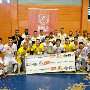 Futsal do Tupi comemora goleada e taça em Ponte Nova