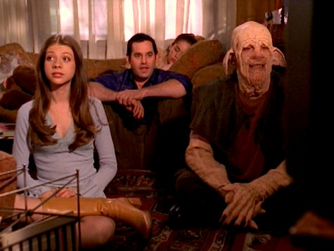 Buffy the Vampire Slayer, Older and Far Away, Dawn, Clem, Zander