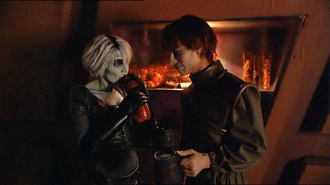Farscape, We're So Screwed I: Fetal Attraction, Chiana