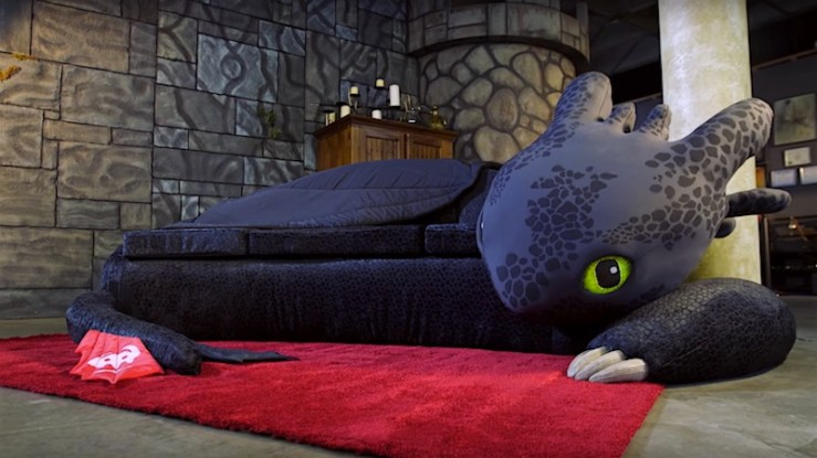 Toothless Couch