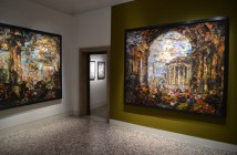 "Vista da exposição ""Vik Muniz: Afterglow–Pictures of Ruins"" no Palazzo Cini"