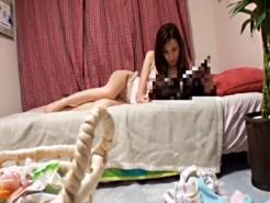 【家庭内盗撮動画】今夜のターゲットは美人姉…エロ過ぎる身体の実姉に我慢出来ず弟が夜這い隠し撮り…