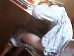 【家庭内盗撮動画】可愛いパジャマを着て宿題をするJC妹がパンツを下ろして指オナニーww
