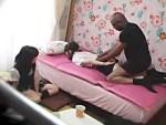 【JKレイプ盗撮動画】目隠しされて状況を把握出来てない友達の悪ふざけと思ってる女子校生を黒人が強姦…
