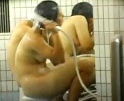 【JK風呂盗撮動画】修学旅行で貸し切っている民宿の大浴場を隠し撮り…陰毛をタオルで隠す思春期女ww