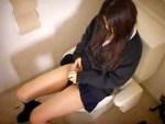 【トイレオナニー隠撮動画】年子の姉妹が自宅トイレで自慰行為を家庭内盗撮…女子校生の娘を隠し撮りww