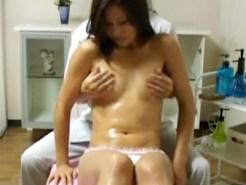 【オイルエステ隠盗動画】女性専用の性感エステで欲求不満を解消する人妻のヤバイ性癖を隠しカメラ撮り…