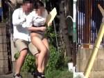 【パンチラ隠撮動画】昼休憩にコンビニ向かう素人OLを背後からタイトスカート捲り上げパンモロ隠し撮りww