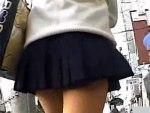 【パンチラ隠撮動画】限界のスカート丈で街中を歩く素人ギャルや女子校生のパンチラを隠し撮りww