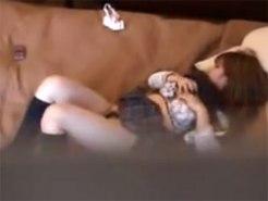 【オナニー隠撮動画】発育良い妹が自室のベッドで帰宅するなり制服姿のまま自慰行為してるところを隠し撮りww