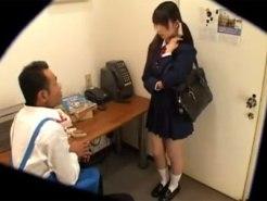 【JKレイプ盗撮動画】万引きを今回だけは許しても良い…そんな甘い言葉に騙されたJKを事務所で強姦ww