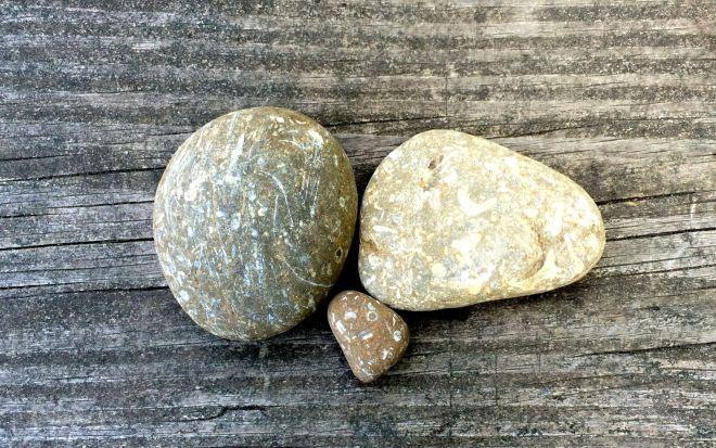 Rocks 2 dry