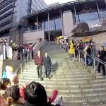 Gay Seattle Newlyweds Greeted by Hundreds on City Hall Steps: VIDEO