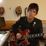 Smiths Guitarist Johnny Marr Plays 'Heaven Knows I'm Miserable Now' for First Time in 25 Years: VIDEO