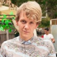 josh-thomas-season-2-please-like-me