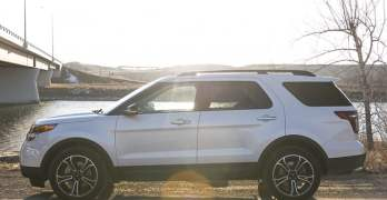 2013 Ford Explorer Sport tires