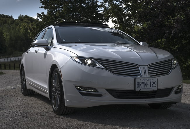 2013-Lincoln-MKZ-Hybrid-grill