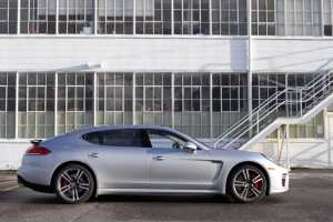 2014-porsche-panamera-turbo-executive