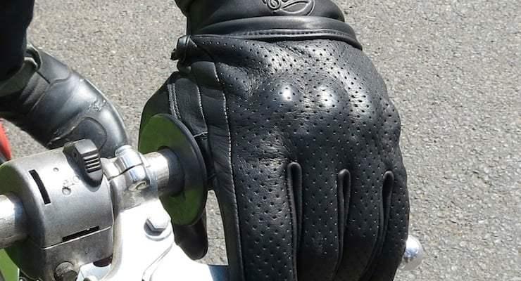 Suus-Black-Moto-Gloves
