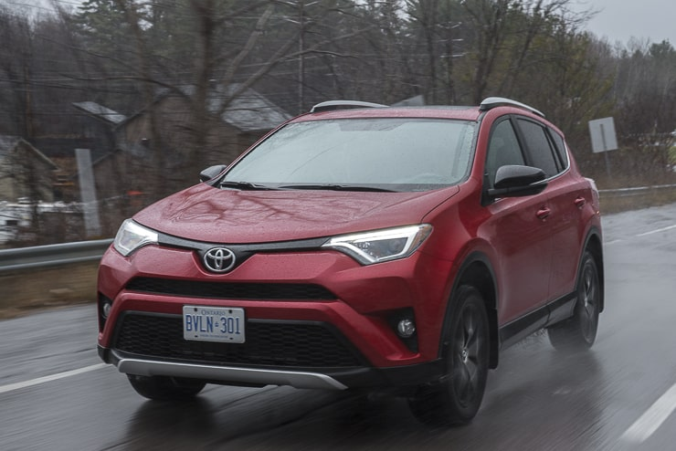 first drive 2016 toyota rav4 hybrid review. Black Bedroom Furniture Sets. Home Design Ideas