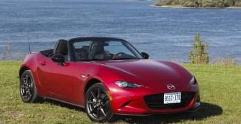 Cruising the 1,000 Islands in a 2016 Mazda MX-5 GS