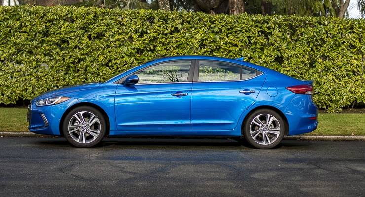 2017 hyundai elantra review (1 of 29)