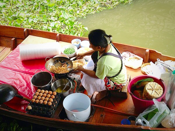 how to go to taling chan floating market from pratunam