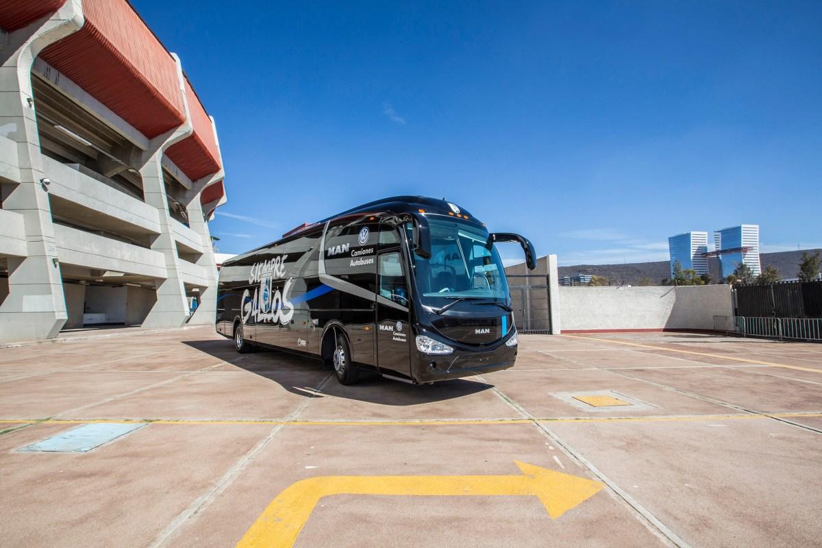 Gallos Blancos de Querétaro viajan en autobus MAN