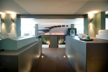 11wellnessmallorca luxus villa palma innenpool2