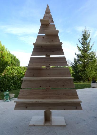 Un sapin de Noël en bois réalisé en moins de 2h