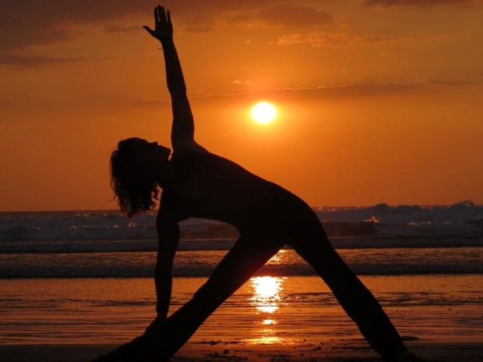 Surfschule mit Yoga Angebot