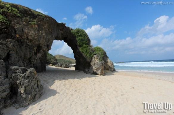 sabtang island batanes nakabuang arch
