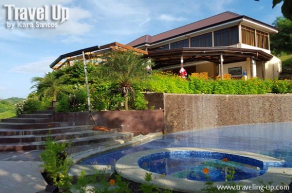 tugawe cove resort caramoan pool dining area