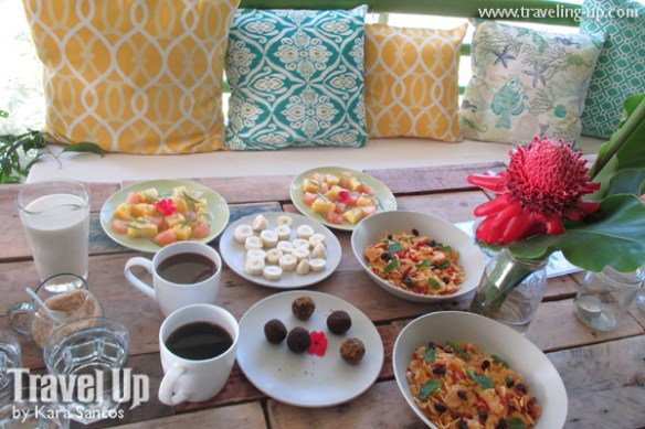 stay at the plant bistro tagaytay breakfast cereal fruits