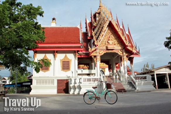 bicycle amphawa thailand temple