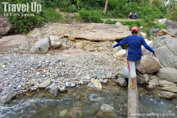 20-biliran-trail-going-to-falls-near-mainit-spring