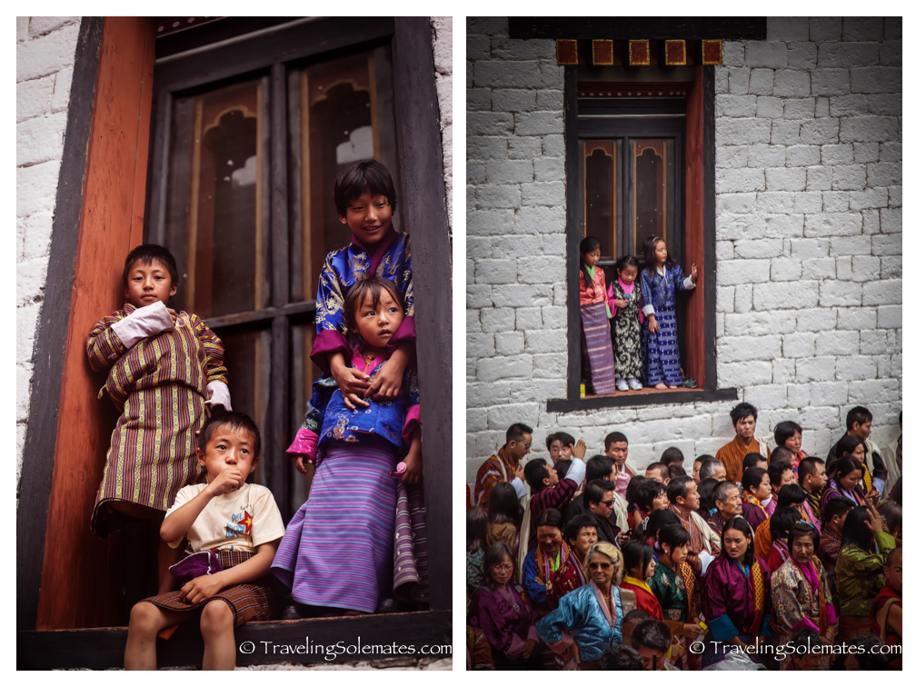 Children on window sills, Dromchoe Festival, Tashichho Dzong, Thimphu, Bhutan