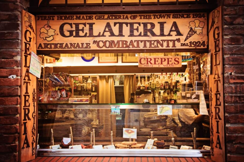 Gelateria in San Gimigniano, Tuscany, Italy