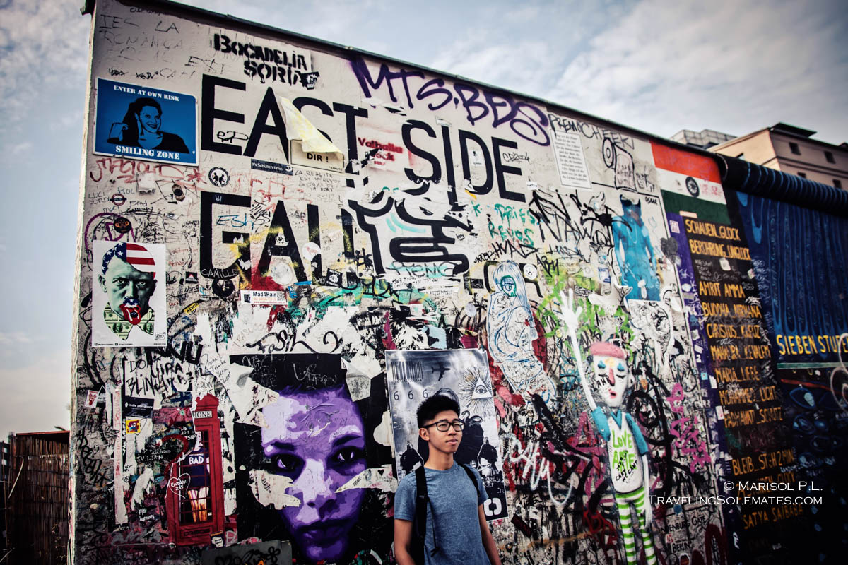 Arts/Paintings in Berlin Wall's East Side Gallery jpg