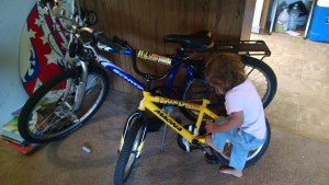 Minnie Roamer letting me know she is ready to ride her own bike.