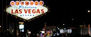 Welcome to Las Vegas sign at night